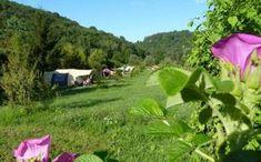Jura Camping La Faz is gelegen in het dal van de Valouse, hartje Jura.De Jura ligt in Oost-Frankrijk, tussen de Bourgogne (in het westen) en Zwitserland (in het oosten), op slechts 2 uur van Parijs met de TGV en op… Lees verder →