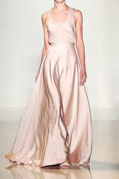 Valentin Yudashkin S/S 2012 Paris - the Fashion Spot - flowing skirt with lace high neck top Look Fashion, Runway Fashion, Fashion Design, Paris Fashion, Beautiful Gowns, Beautiful Outfits, Simply Beautiful, Valentin Yudashkin, Glamour