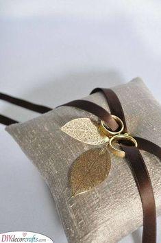 Aino Aalto Set of 2 Tumblers - ringkissen Hochzeit Wedding Ring Cushion, Wedding Pillows, Cushion Ring, Wedding Ring Box, Wedding Band, Double Wedding Rings, Beautiful Wedding Rings, Ring Pillows, Gold Pillows
