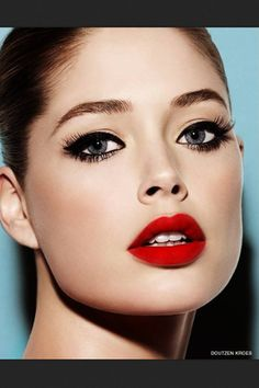 My favorite look: red lips and black eyeliner. What more does a girl need to look fab?