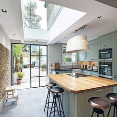 Planning a period home kitchen extension? - Chris Dyson side return kitchen-diner with rooflight and Crittal doors - Kitchen Living, New Kitchen, Kitchen Interior, Island Kitchen, Kitchen Layout, Kitchen Decor, Kitchen Backsplash, Kitchen Counters, Narrow Kitchen With Island