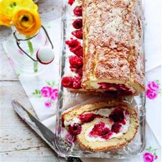 White chocolate and raspberry swiss roll recipe. A delightful swiss roll recipe, this sweet treat can be frozen so you can make it in advance to use for a later occasion.