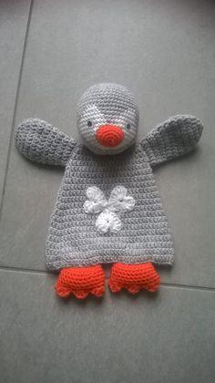 How To Crochet an Amigurumi Rabbit Crochet Security Blanket, Crochet Lovey, Crochet Baby Toys, Crochet Afgans, Crochet Gifts, Cute Crochet, Baby Blanket Crochet, Crochet For Kids, Crochet Animals