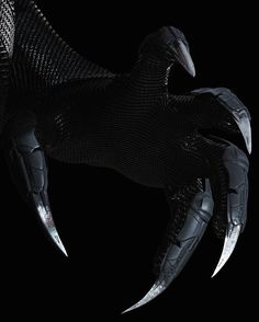 Another look at Black Panther's vibranium claws in 'Captain America: Civil War'