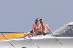 Celeb Diary: Jennifer Aniston & Justin Theroux