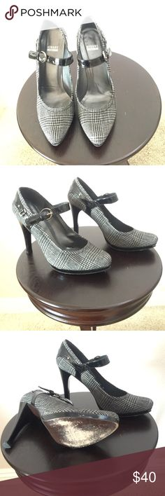 Stuart Weitzman platform shoes Cute Stuart Weitzman black and white hounds tooth design with black patent leather trim.  Slight wear on the soles.  Size 10M. Stuart Weitzman Shoes Platforms
