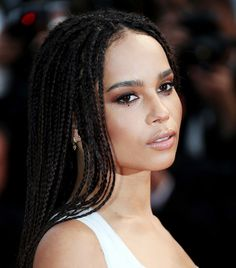 Zoe Kravitz is oozing sex appeal with this bronze smoky eye. #Cannes #Beauty