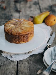 PEAR UPSIDE DOWN CAKE......always a pleasant surprise to the eye and pleasing rich flavors!