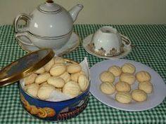 Quando eu vi a Ana Maria Braga fazendo esses biscoitinhos, lembrei que tinha no armário um pacote de polvilho doce prestes a vencer, e como...