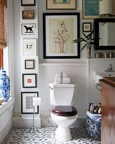 Home Decor Inspiration Alex Reid's Top-Floor Hideaway in a Greenwich Village Townhouse Cheap Home Decor, Interior Design, House Interior, Bathroom Wall Decor, Interior, Room Decor, Home Decor, Bathroom Decor, Home Remodeling