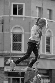 https://flic.kr/p/CsXWCu | BoulevArt Dendermonde 2015 - Acrobacy for beginners - 2 | Pictures taken by Björn Roose: streetphotography.