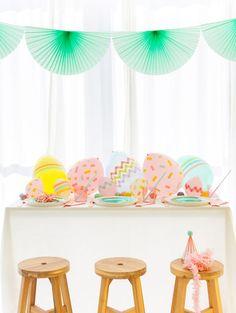 Balloon Easter Egg Centerpiece   Oh Happy Day!   Bloglovin'