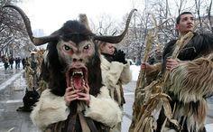 Мръсни дни. Съществуващите до този момент религиозни представи и народни предания на българите оказват влияние върху неговия фолклор и народен календар. За времето на Мръсните дни са характерни и новогодишните обичаи на момците.Кукерите, наричани още чауши, бабугери, станчинари, дервиши, старци, сурати или джамалари, са българските карнавални фигури — мъже, предрешени като зверове или типични персонажи (бабата, дядото, царят, бирникът), винаги са с маски на главите, често с чанове на пояса…