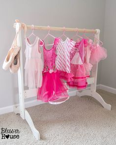 Dress up storage do it yourself home projects from ana white diy dress up rack from a repurposed bassinet cradle solutioingenieria Gallery