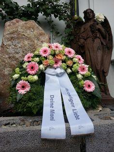 Mitgefühl hat einen eigenen Dialekt  #Kranz #Trauer #Abschied #Floristik