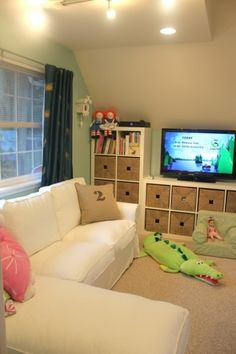 Cute playroom set-up. We could easily do this in the bonus room.