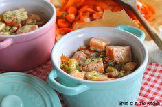Commençons la semaine avec cette Blanquette de Saumon à la sauce Roquefort, accompagnée de ses petits légumes. Cette recette, simple et rapide à exécuter, fait office de plat et s'accompagne de riz blanc ou de pommes de terre. Ingrédients (pour 4 personnes):...
