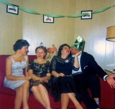 49 Color Vintage Snapshots Show the New Year Parties From Between the 1950s and '60s