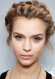 Fresh & Simple. Perfect for summer, this look is subtle enough for daytime wear and flirty enough for night. Leave the office for the patio without fretting about your makeup, and read a step-by-step for this fresh & simple look here: http://americanskincarecompany.com/blog/the-look-fresh-and-simple/
