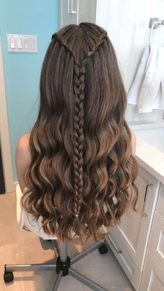 """"" Waterfall Braid Hairstyles that looks flirty and fashionable – Hike n Dip """" Peinado trenza cascada """" Cute Hairstyles For Teens, Easy Hairstyles For Long Hair, Teen Hairstyles, Pretty Hairstyles, Wedding Hairstyles, Natural Hairstyles, Bridesmaids Hairstyles, Halloween Hairstyles, Long Hairstyles"