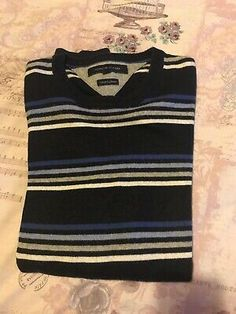 Tommy Hilfiger Cashmere Jumper Striped Blue Size M Tommy Hilfiger Winter Jacket, Tommy Hilfiger Shorts, Hilfiger Denim, Cashmere Color, Cashmere Jumper, Bomber Jacket Men, Stripes Fashion, Polo T Shirts, Casual Shirts For Men