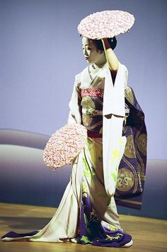 Maiko performing Japanese traditional dance