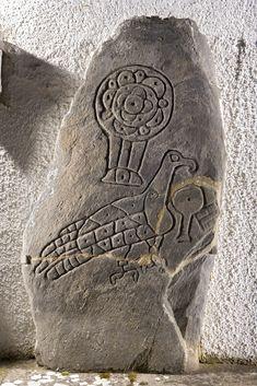Pictish symbol stone at Inveravon Parish Church in Moray, Scotland 2011 Ancient Mysteries, Ancient Artifacts, Pictish Warrior, Scotland History, Celtic Art, Celtic Dragon, Carlin, Celtic Culture, Celtic Designs