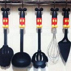Mickey Mouse kitchen supplies --- I have theeeese, the middle one I use all the time for spaghetti ^u^ Mickey Mouse Kitchen Set, Cozinha Do Mickey Mouse, Mickey Mouse House, Vintage Mickey Mouse, Mickey Mouse Clubhouse, Mickey Minnie Mouse, Mickey Decorations, Disney Christmas Decorations, Disney Home Decor