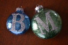 Easy DYI glitter ornaments!