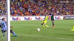 Klaas-Jan Huntelaar trifft für Schalke 04 bei APOEL Nikosia