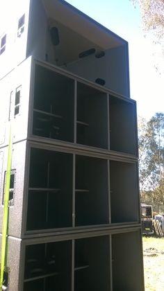 High End Audio Equipment For Sale High End Speakers, Big Speakers, High End Audio, Horn Speakers, Party Speakers, Speaker Plans, Speaker System, Audio System, Subwoofer Box Design
