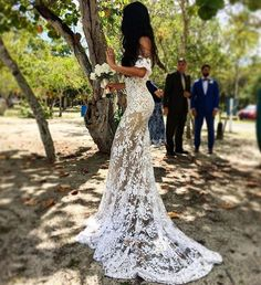The Most Gorgeous Wedding Dresses | Lace wedding dress | fabmood.com #weddingdress #weddinggown #bridalgown #laceweddingdress