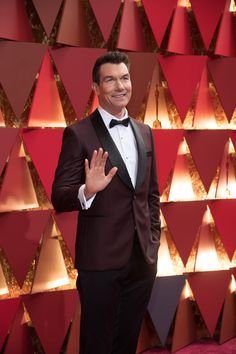 Jerry O'Connell arrives on the red carpet of The 89th Oscars® at the Dolby® Theatre in Hollywood, CA on Sunday, February 26, 2017. #redcarpet #4chionstyle #fashion #beauty #Oscars