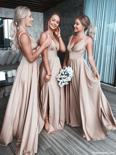 Beautiful stylish bridesmaid dresses for wedding - # .- Schöne stilvolle Brautjungfernkleider für Hochzeit – … – Edeline Ca. Beautiful stylish bridesmaid dresses for wedding – … – - Bridesmaid Dresses Under 100, Gold Bridesmaids, Champagne Bridesmaid Dresses, Beautiful Bridesmaid Dresses, Bridesmaid Ideas, Backless Bridesmaid Dress, Champagne Color Wedding, Neutral Bridesmaid Dresses, Bridesmaid Colours