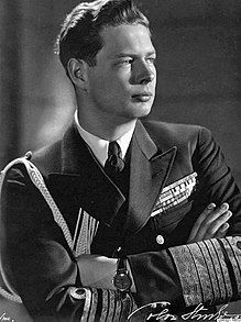 King Michael I of Romania, last monarch of Romania.His father is King Carol II and his paternal grandmother is Queen Marie, who used to be Princess Marie of Edinburgh. Thus, Michael is a great-great-grandson of Queen Victoria of Great Britain. Michael I Of Romania, Romanian Royal Family, Cultura General, Central And Eastern Europe, Today In History, Blue Bloods, Royal House, Royal Life, Queen Mary