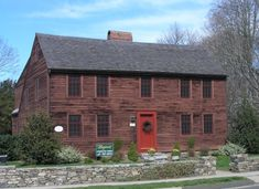 Center chimney house house styles i admire pinterest for Saltbox house additions