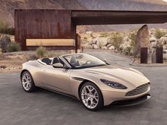 The next great Aston Martin convertible has arrived - Trend Autos Neues 2019 Aston Martin Vanquish, Aston Martin Cabrio, Aston Martin Convertible, Aston Martin Db11, Aston Martin Volante, Ferrari Convertible, Luxury Sports Cars, Classic Sports Cars, Sport Cars