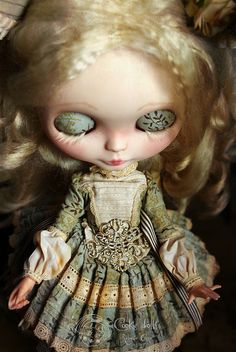 Adelle dreams *spooky bohemian Blythe doll*