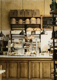 rustic and charming bakery shop {Le Pain Quotidien - Boulangerie & Table Communne} Bakery Cafe, Cafe Bar, Cafe Bistro, Cafe Shop, Cafe Restaurant, Restaurant Design, Rustic Bakery, Bakery Decor, Vintage Bakery