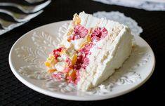 Home - Pilar's Chilean Food & Garden Raspberry Meringue, Meringue Cake, Raspberry Cake, Chilean Desserts, Chilean Recipes, Chilean Food, Recipes With Whipping Cream, Cream Recipes, Recipes