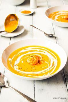 Crema de Calabaza al Curry con Langostinos