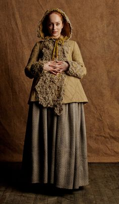 Lotte Verbeek in costume as Geillis Duncan, posted by Terry Dresbach.
