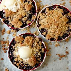 Huckleberry Crisps-- This dessert can be made with either fresh or frozen huckleberries or blueberries. (Note: 1 comment said cut sugar in half that goes into the filling portion) Easy Blueberry Desserts, Summer Desserts, Just Desserts, Delicious Desserts, Yummy Food, Blueberry Crisp, Summer Recipes, Huckleberry Crisp Recipes, Huckleberry Cobbler