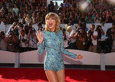 love Taylor's outfit for the VMA's!