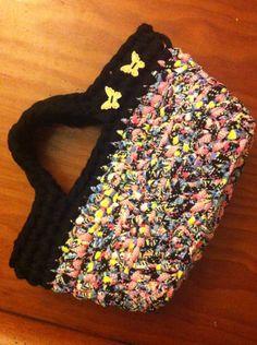 Bolso, capazo, bag de ganchillo crochet con trapillo. Ana Corberán