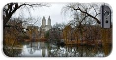 Central Park and San Remo building in the background iPhone and Samsung Case. By RicardMN Photography