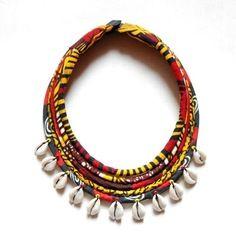 www.cewax.fr aime les bijoux ethno tendance Bijoux ethniques et style tribal. CéWax aussi fait des bijoux en tissus imprimés africains, on vous retrouve en boutique ici: http://cewax.alittlemarket.com/ - Collier wax *massaï/cauris* 5rangs