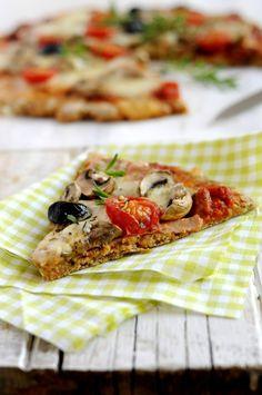 Pizza Ig bas de Marie Chioca (farine T 150 et son d'avoine) - Testée en 2015 : faire cuire 30 min à 180° C ou 20 min à 200° C 5 Pizza, Pizza Buns, Vegan Quiche, 300 Calories, Lunch Recipes, Clean Recipes, Veggie Recipes, Gratin, Ig Bas