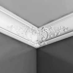 Home Ceiling, Ceiling Decor, Ceiling Design, Molding Ceiling, Ceiling Tiles, Cove Molding, Ceiling Trim, Wall Molding, Easy Crown Molding