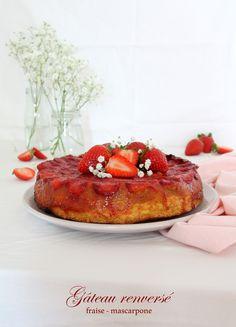 Un gâteau moelleux et fondant en bouche, délicieusement parfumé par les fraises cuites. Une recette facile et rapide à préparer pour cet été